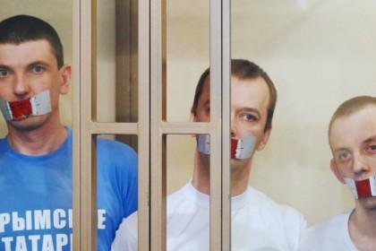 Суд РФ засудив 4-х кримських мусульман: Зейтуллаєву —7 років, іншим — по 5