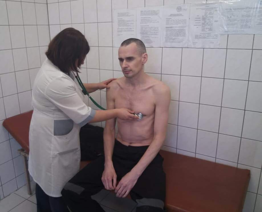 Sentsov during a medical checkup on the 138th day of his hunger strike. Photo: Russia's penitentiary service